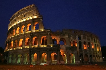 rome-holiday-colosseum-full